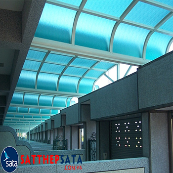 mua-tam-polycarbonate-ecopoly-rong-nhap-thailand-tai-tphcm